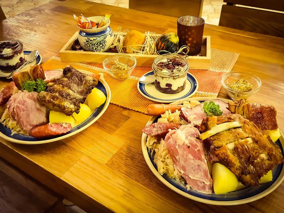 Köstliche Delikatessen frisch auf den Tisch