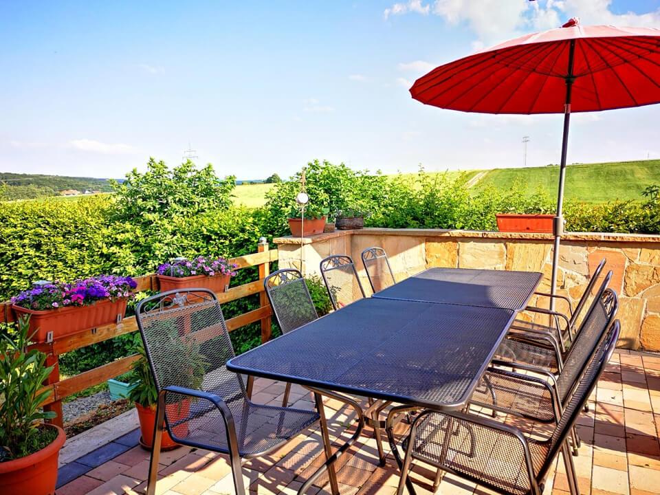 Weidberghof Cafe mit Terrasse
